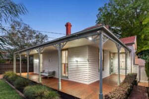 Melbourne building renovation, custom home builders